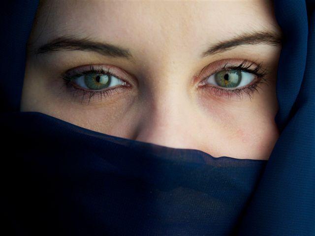 Aminger Monika: Green eyes