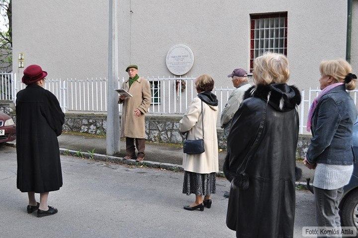 Pandur József tanár úr előadása Gebauer Ernő festőművészről