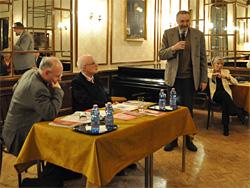 Dr. Papanek Gábor előadása a könyvbemutatón