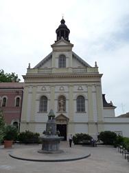 A felújított Irgalmas templom homlokzata