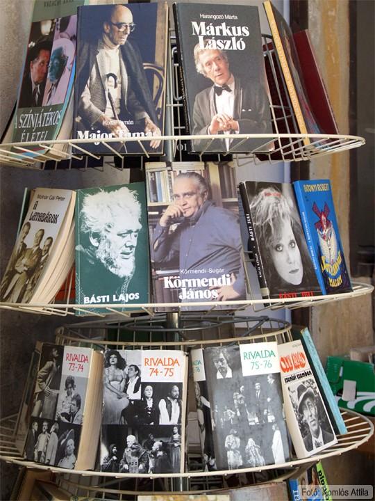 Retro könyvvásár (június 7.)