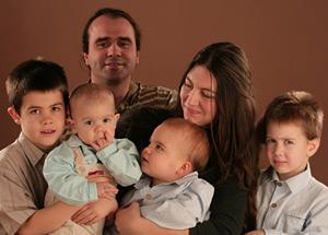 Zsigmond Tünde családja körében