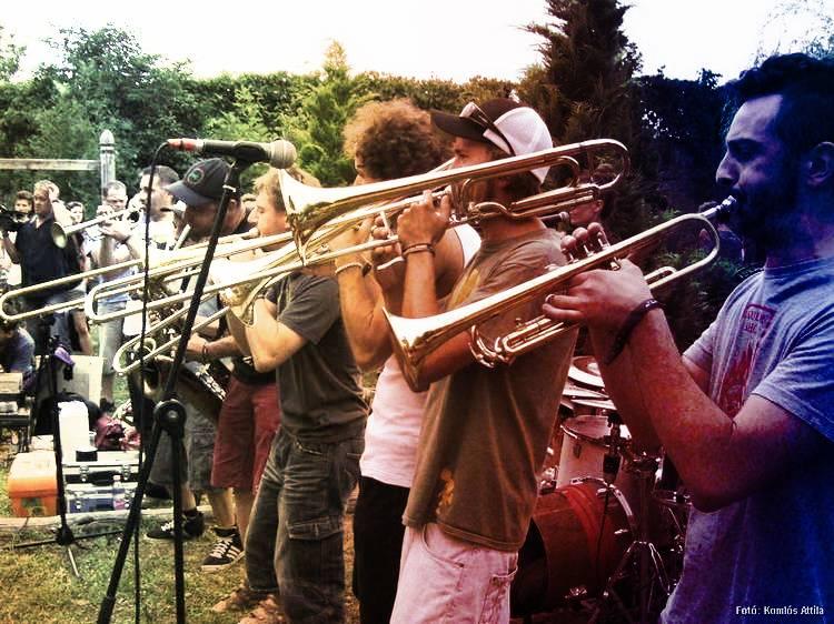 Nagyharsány, fesztiválnyitány: Wombo Orchesrtra