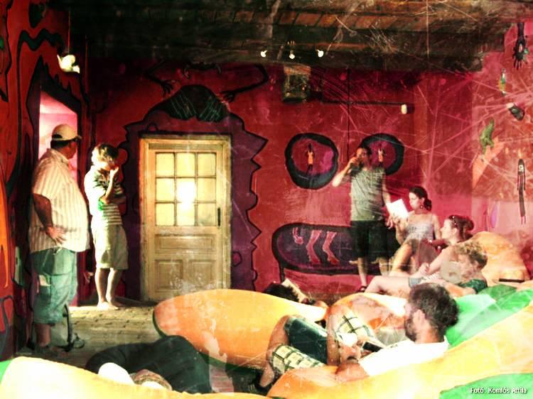 Nagyharsány, Faluközpont: Hrabal Vurstli - Hrabal összes művének feolvasása