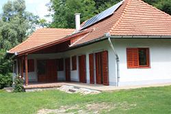 Felújított épület Vízváron