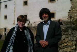 Kiss Anikó és férje, Deák Dániel a pécsváradi vár udvarán - Láng Judit felvétele