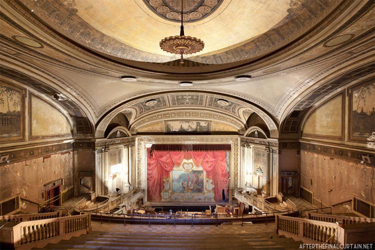 Loew's Majestic Theatre - Bridgeport, Connecticut (1922)