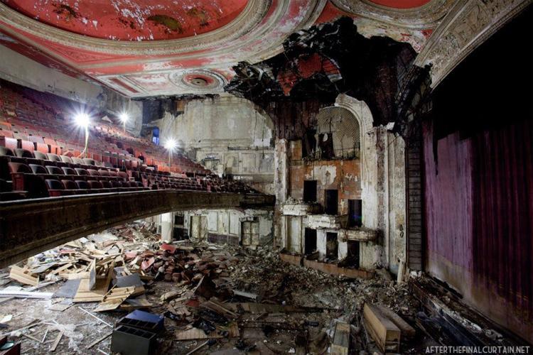 The Newark Paramount Theatre (1886)