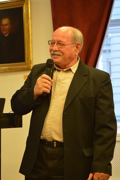 Dr. Dezső István