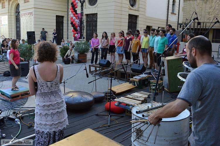 Karmesterjáték - a Bélaműhely és a Soharóza kórus közös produkciója