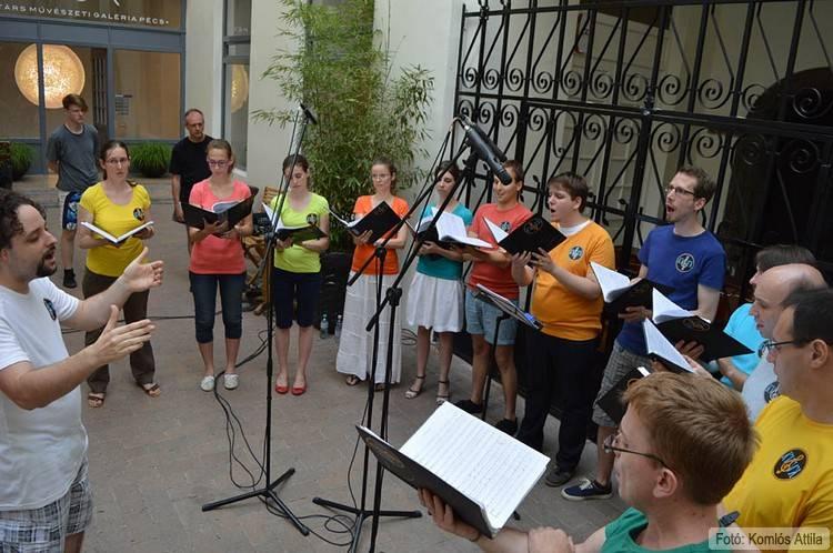 A KVVKamarakórus koncertje a Nick Udvarban