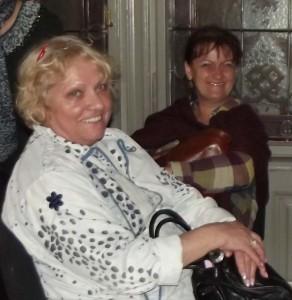 Huber Márti ez év októberében, a budapesti Hetedhéthatáros találkozón Hajnal Évivel (jobbról) a Mai Manó Házban