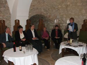 Balról Báling Jóska bácsi, mellette Káplárné Nagy Rózsa, Káplár Fülöp, Králik Ivánné, Bandi András és L. Csépányi Katalin a Jó Ember-díj átadási ünnepségén, Pécsváradon, 2009-ben
