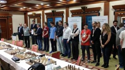 A bajnokcsapat, Nádasi Tamás elnök a kupával