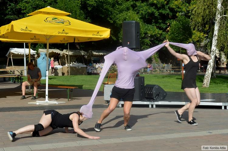 Give Me A Name (SAPP - Street Art Project Performances) (június 15.)