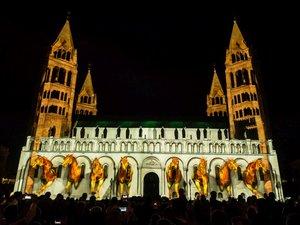 Zsolnay Light Art Nemzetközi Fényfestőverseny